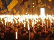 A torch-lit procession held in memory of Ukrainian nationalist leader Stepan Bandera gathered over a thousand in central Kyiv on 1 January 2017. Photo: UNIAN