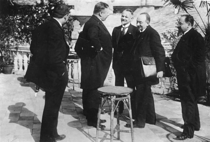 The Treaty of Rapallo was concluded between Germany and Soviet Russia. In this photo Reichskanzler Dr. Joseph Wirth, (second from left) with the delegation of Soviet Russia Leonid Krasin, Georgy Chicherin and Adolf Joffe (from left to right): Dr. Joseph Wirth, Reichskanzler, Reichsfinanzminister, Minister of Foreign Affairs, Reichstag deputy (MdR), Center, Member of the National Assembly, Germany; Leonid Borissovich Krassin, Ambassador in Great Britain, Soviet Union; Georgi W. Chicherin, Diplomat, People's Commissar of the External Affairs, Soviet Union; Adolf Abramovich Joffe, Envoy in Germany, Soviet Union (Image: Bundesarchiv)