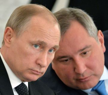 Vladimir Putin with Dmitry Rogozin. Archival photo: Sputnik