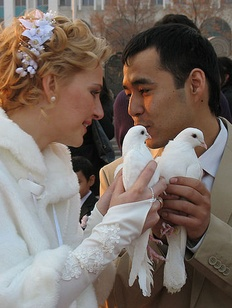 Ethnically-mixed marriages in Russia (Image: nazaccent.ru)