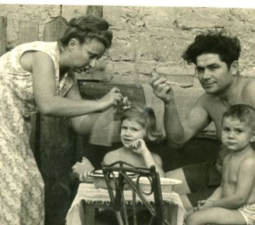 Vasyl Makukh with his family. Photos from the archive of Vasyl Makukh's wife