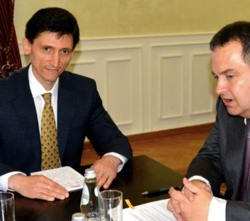Ukraine's ambassador to Serbia, Oleksandr Aleksandrovych (left) and Serbian Foreign Minister Ivica Dacic in July 2015. Photo: mfa.gov.rs