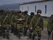 Russian troops at the Perevealne military base in Crimea in March 2014. Photo: Wikimedia commons