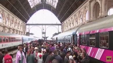 Photo of اللاجئون في بودابست .. مشهد مفزع