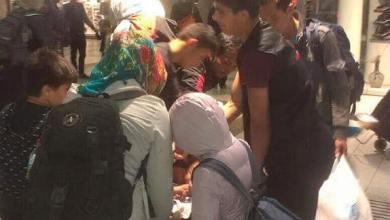Photo of الوفاء والرحمة تقدمان الوجبات الساخنة على اللاجئين