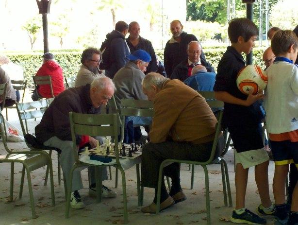 Jardin du Luxembourg - Playing Chess