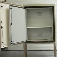 armoires coffrets polyester sur-mesure