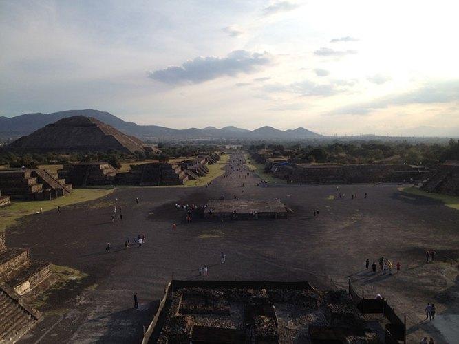 Teotihuacan-piramide-de-la-luna