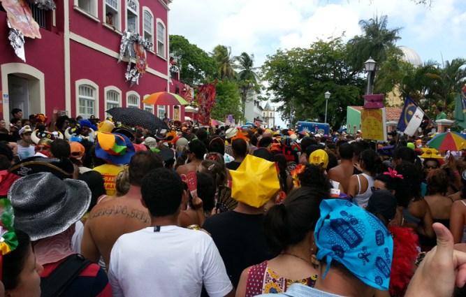 carnsval-recife-eusouatoa-sobrevivencia-no-carnaval