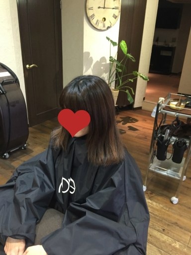伸ばしかけの髪