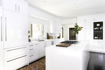 small kitchen with white kitchen cabinet ideas