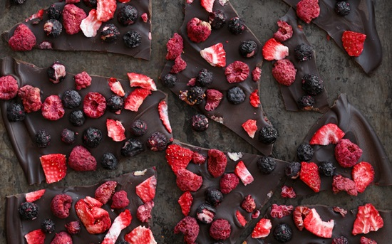 fruity-chocolate-bark