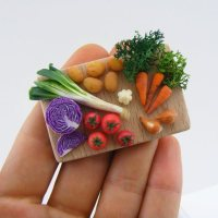Mini food sculptures by Shay Aaron