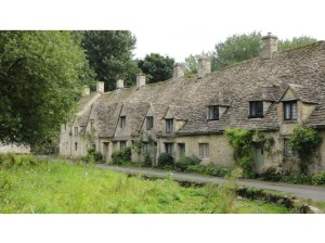 6842050-exploring_the_Cotswolds_Chipping_Norton