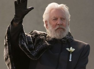 catching-fire-president-snow (2)