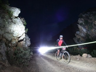 Jaco du Plessis riding through the night during the 36ONE MTB Challenge. Photo by Oakpics.com.