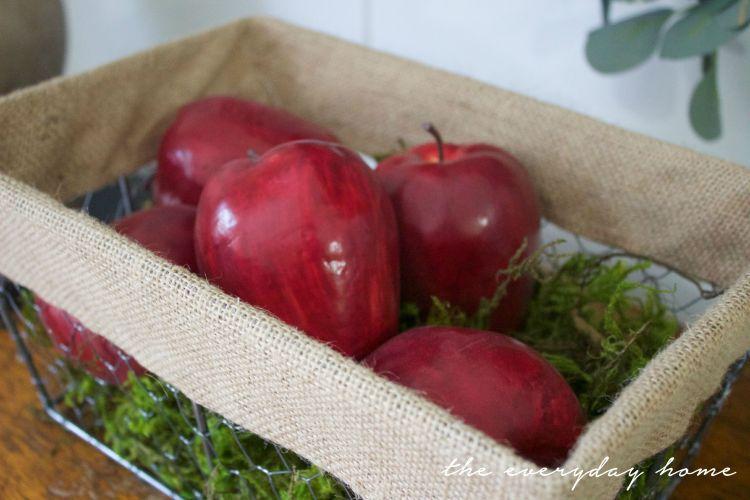 Apple Basket | The Everyday Home | www.everdyayhomeblog.com