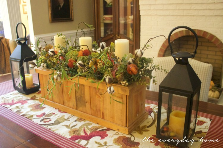 A Fall Arrangement in Wooden Box | Fall Tour | The Everyday Home | www.everydayhomeblog.com