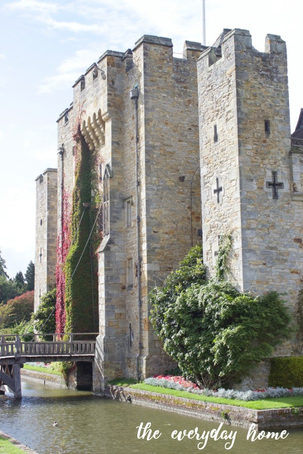 hever-castle-mote-the-everyday-home