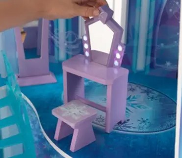 Kidkraft frozen dollhouse which one is right for your for Kidkraft lantern floor lamp