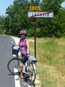 Cycling through the hills of Provence on a Sun-e-Bike