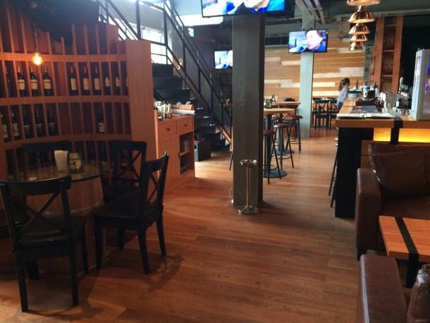 Snobbish Bar and Restaurant