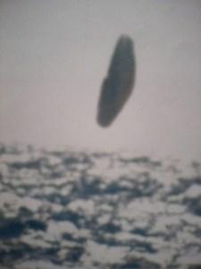 Imagen 10. Objeto desconocido fotografiado en el Ártico por el Submarino USS Trepang (SSN-674)