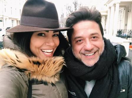 """Fernanda Diniz e o ator que vive Arturito em """"La casa de papel"""""""