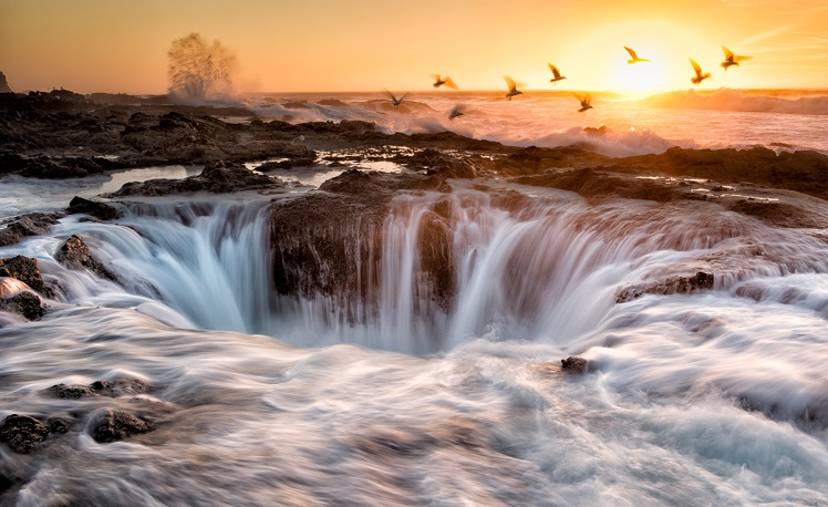 Thor's Well @ Cape Perpetua on the Oregon Coast