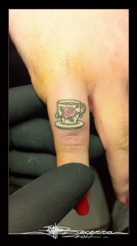 microtattoo_te_cup_by_jbecerra-569x1024