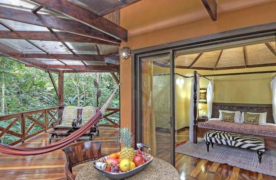nayara-hotel-spa-gardens