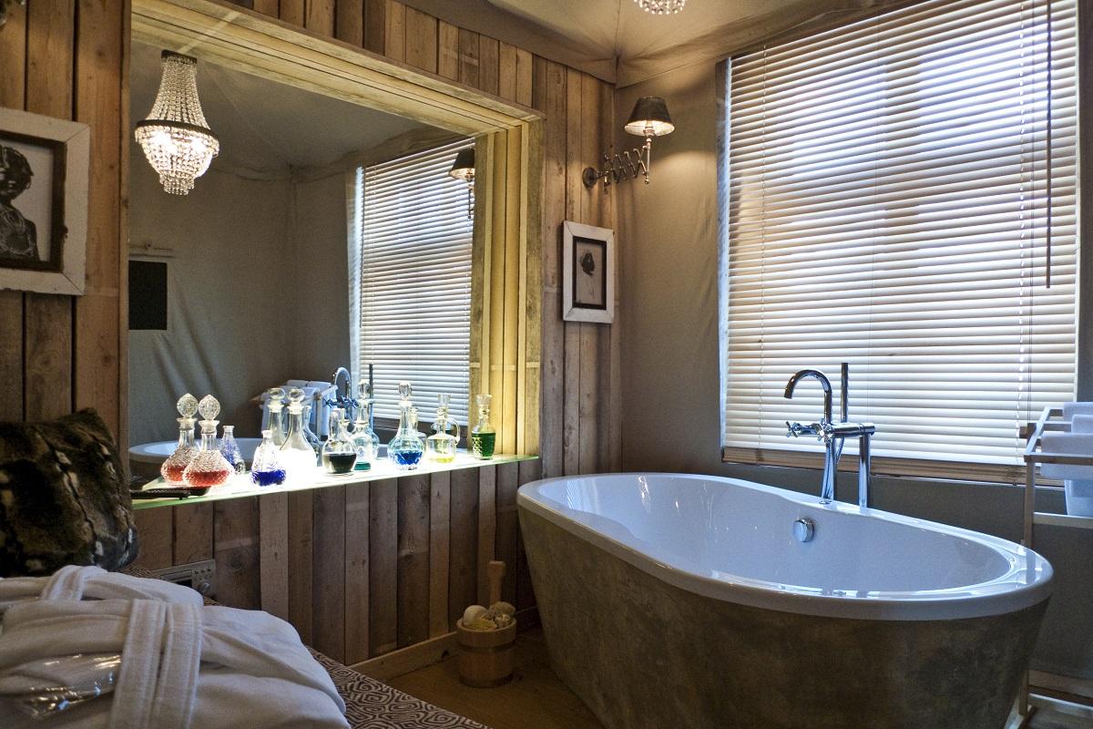 hotel Ackselhaus é um verdadeiro achado para quem procura design  #8A7341 1200x800 Acessorios Banheiro Hotel