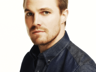 Stephen-Amell-stephen-amell-36874985-1920-1080