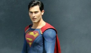 more-photos-tyler-hoechlin-as-superman-696x464