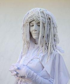 dreadlocks_493px-living_statue_miami_beach_fl