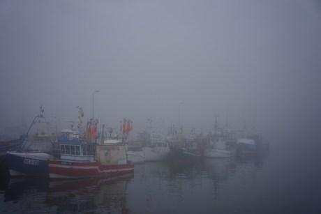 die fischereiflotte von wladyslawowo im nebel