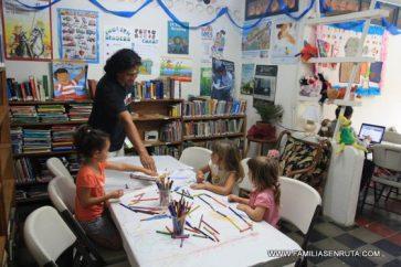 La biblioteca móvil de San Juan del Sur. Cultura gratis para todos los niños