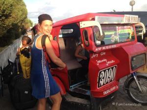 Und plötzlich Thailand -philippinisches Tuktuk