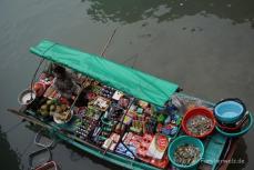 fliegende Händler in der Halong Bucht
