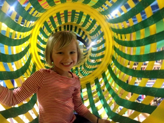 Billy Beez climbing tunnel, Palisades Mall