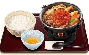 すき家、キムチ牛すき鍋定食