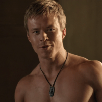 "Todd Lasance as Gaius Julius Caesar shirtless/naked in Spartacus: War of the Damned 3x06 ""Spoils of War"""