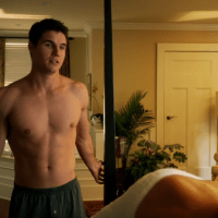 "Robbie Amell as Stephen Jameson shirtless in The Tomorrow People 1x07 ""Limbo"""