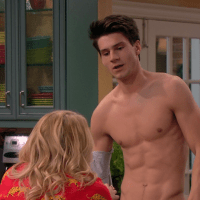"Kevin Fonteyne as Marco shirtless in Melissa & Joey 4x03 ""The Honeymooners"""