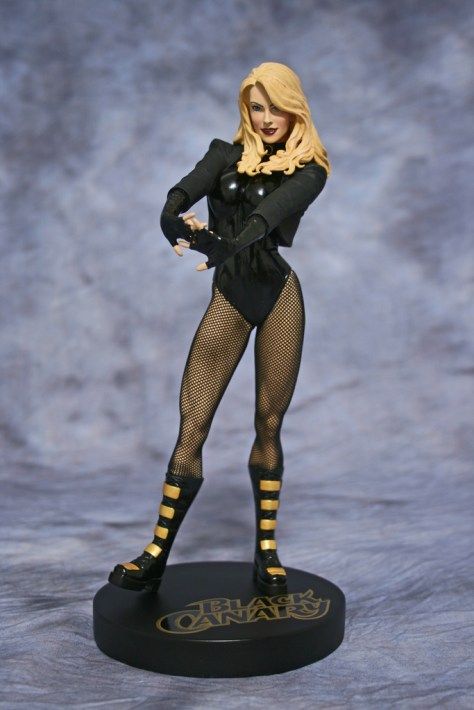 Cover Girls of DC Black Canary Statue 001