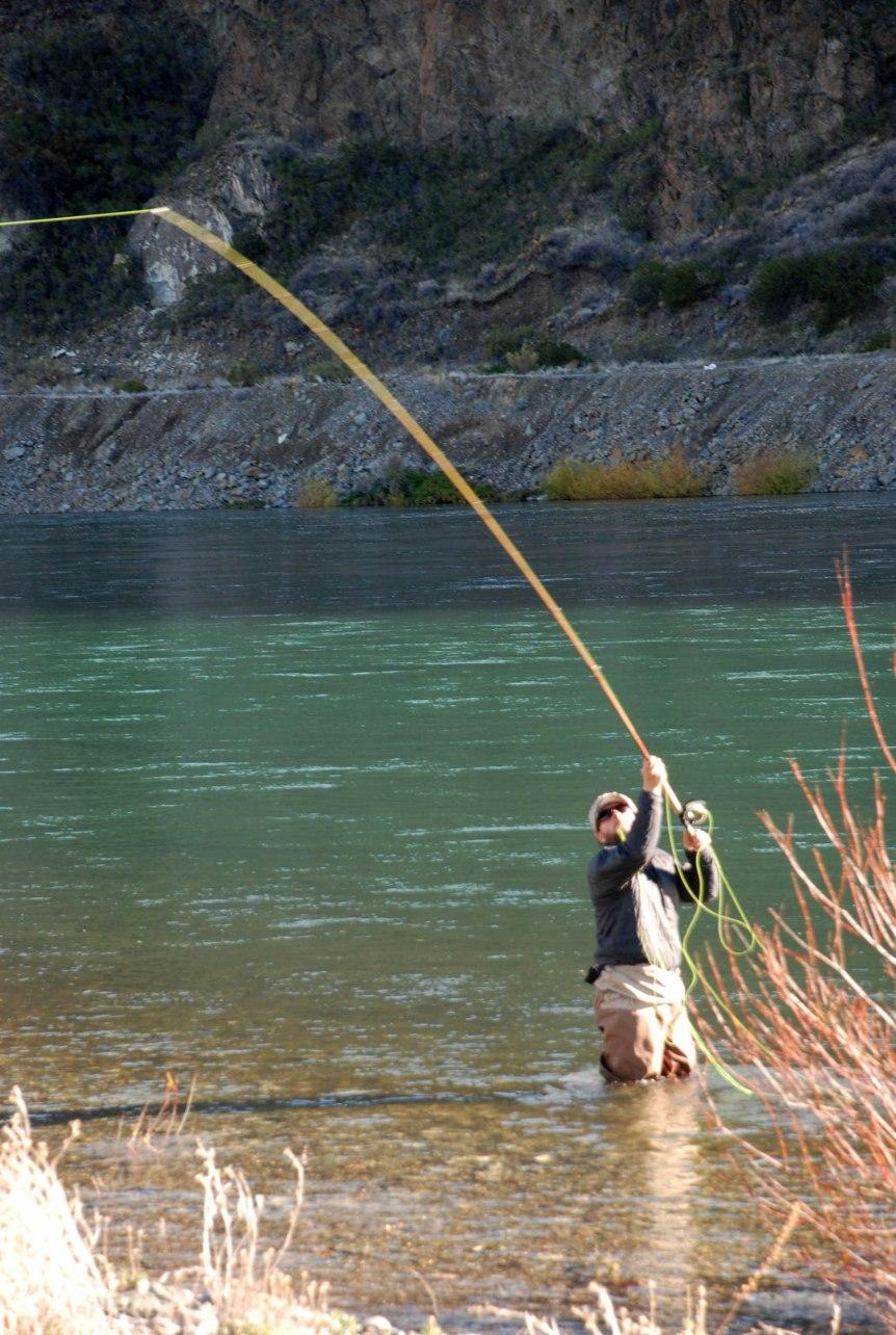 Big fish patagonia video fishing limay medio faraway for Fly fishing patagonia