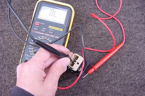 Testing the Toyota FJ80 Center Diff Lock Switch