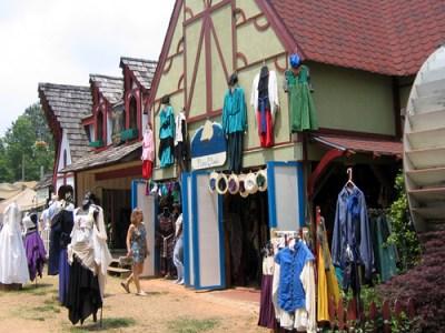 renaissance clothing