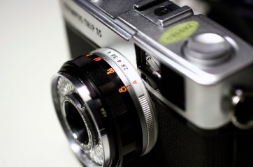 Olympus Trip-35 (by Roca Chang)