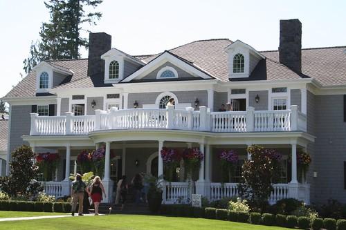 giant home that looks like a doll house